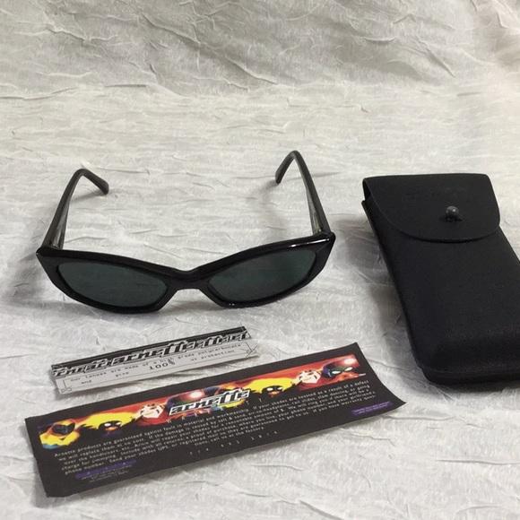 "6f0b0d3acfd80 Arnette Vintage ""Mantis"" Black Sunglasses"